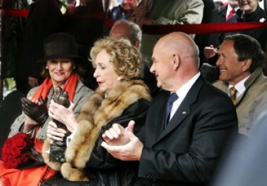 "JVJ, chairman of the board at the national theater with her HRH Queen Sonja and Wenche Foss • <a style=""font-size:0.8em;"" href=""http://www.flickr.com/photos/71143759@N06/6856682860/"" target=""_blank"">View on Flickr</a>"